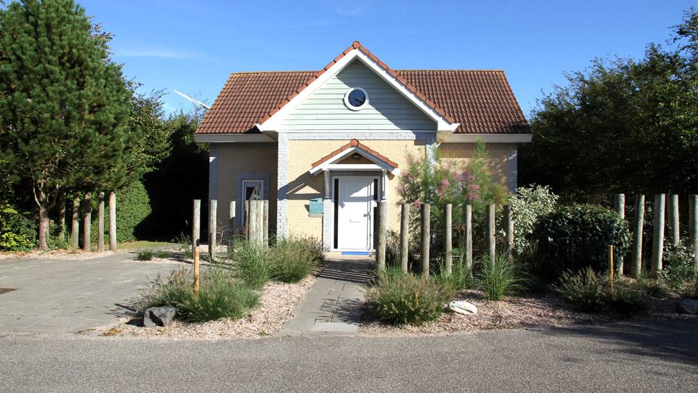Zeeland huis aan zee oosterschelde 39 voorkant huis aan zee in zeeland - Modern huis aan zee ...