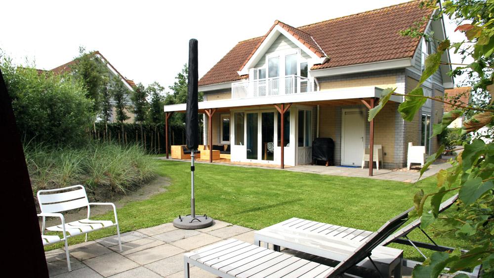 Villa huis aan zee oosterscheldelaan 37 huis aan zee in zeeland - Modern huis aan zee ...